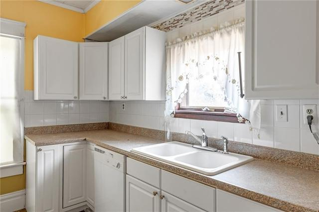 Kitchen featured at 608 Chestnut St, New Castle, PA 16101