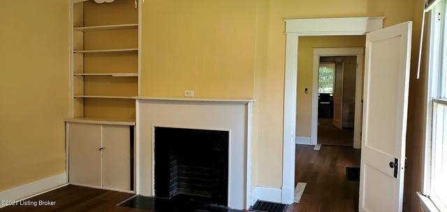 Living room featured at 1143 Louis Coleman Jr Dr, Louisville, KY 40211
