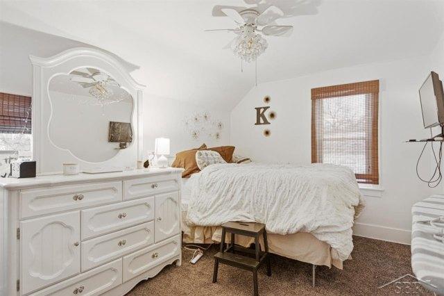 Bedroom featured at 1920 Gratiot Ave, Saginaw, MI 48602