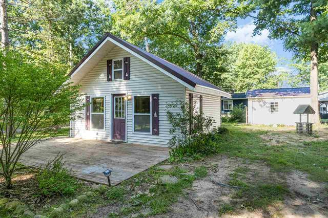 House view featured at 4246 Gilding Rd, Beaverton, MI 48612