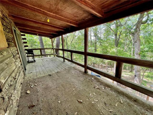 Porch featured at 10856 Quail Dr, Ste Genevieve, MO 63670