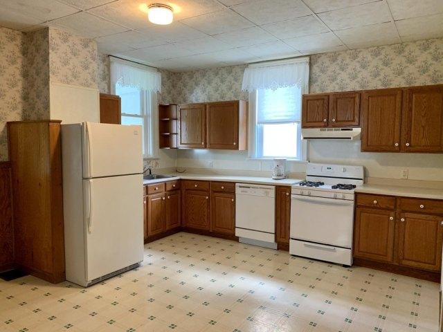 Kitchen featured at 719 W Mahoning St, Punxsutawney, PA 15767