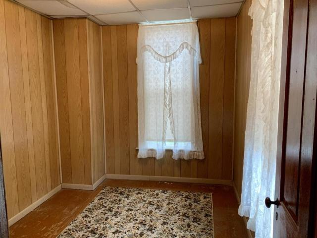 Bedroom featured at 719 W Mahoning St, Punxsutawney, PA 15767