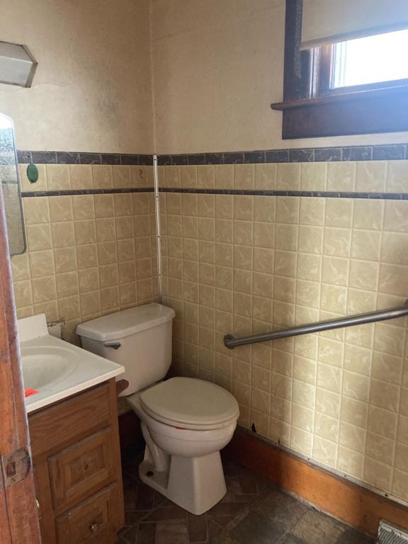 Bathroom featured at 19702 N Fifth St, Saint Meinrad, IN 47577
