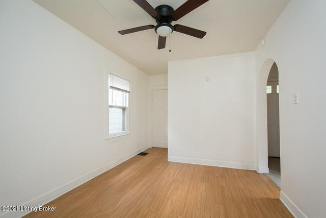 Bedroom featured at 3520 Herman St, Louisville, KY 40212