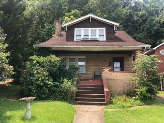 House view featured at 2528 Hilton Ave, Ashland, KY 41101