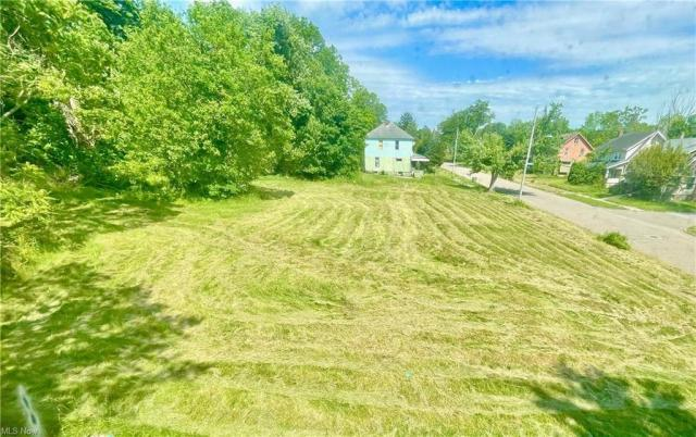 Farm land featured at 622 Willis Ave, Youngstown, OH 44511