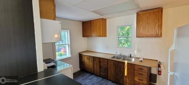 Kitchen featured at 927 S 15th St, Centerville, IA 52544