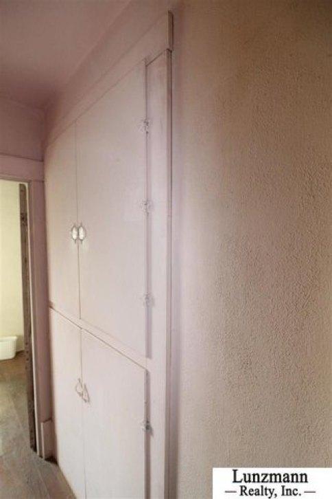 Bathroom featured at 72558 642A Ave, Auburn, NE 68305