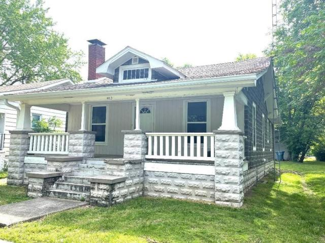 Porch featured at 403 S Sycamore St, Centralia, IL 62801