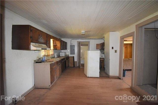 Kitchen featured at 124A Wayside Pl NE, Lenoir, NC 28645