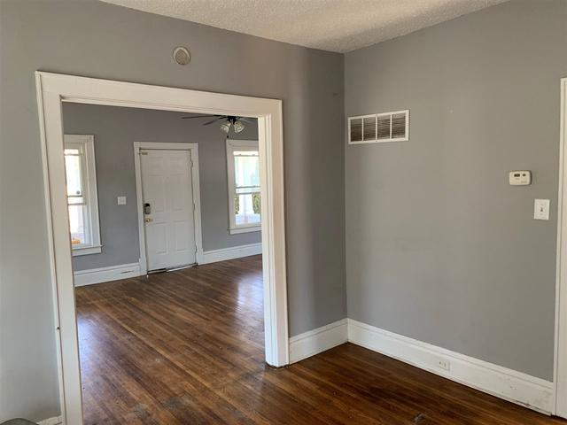 Property featured at 2806 S 29th St, Ashland, KY 41102