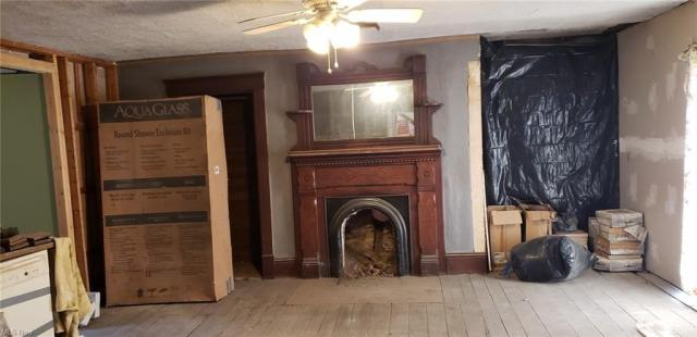 Living room featured at 25936 Woodsfield Rd, Summerfield, OH 43788