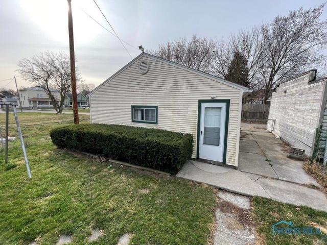 House view featured at 510 Starr Ave, Toledo, OH 43605
