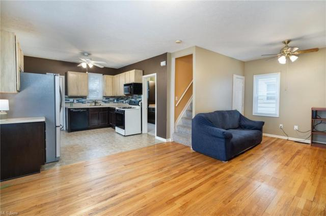 Living room featured at 2435 Apple Ave, Lorain, OH 44055