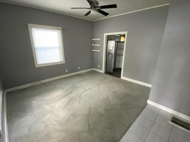Bedroom featured at 118 W Forest St, Pittsburg, KS 66762