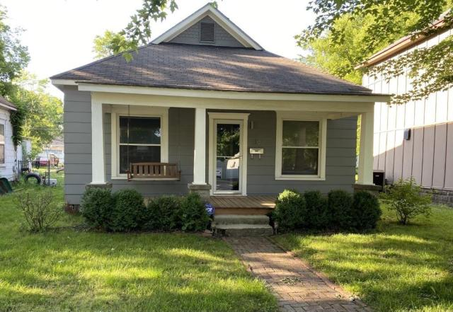 Porch featured at 118 W Forest St, Pittsburg, KS 66762
