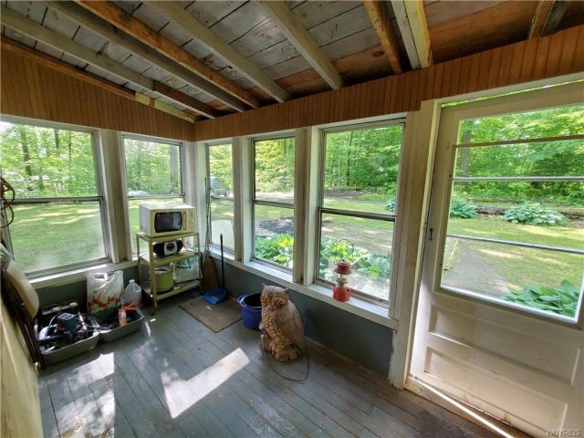House view featured at 50 Morningside Dr, Arcade, NY 14009