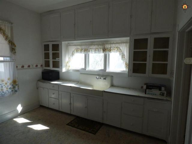 Kitchen featured at 511 S Second St, Raton, NM 87740
