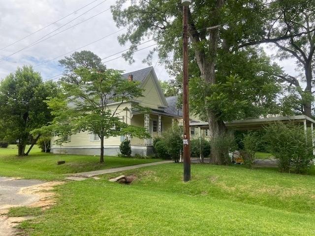 Yard featured at 294 Pioneer Rd NW, Arlington, GA 39813