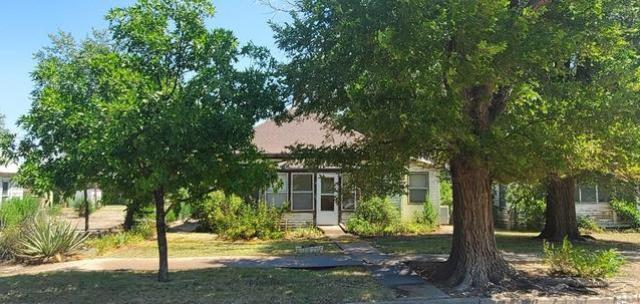 Yard featured at 428 Elm Ave, Las Animas, CO 81054
