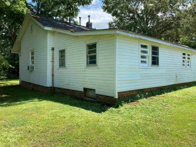 House view featured at 40 Rc Mathews Rd, Humboldt, TN 38343