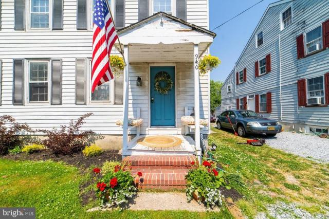 Porch featured at 940 Ye Greate St, Greenwich, NJ 08323