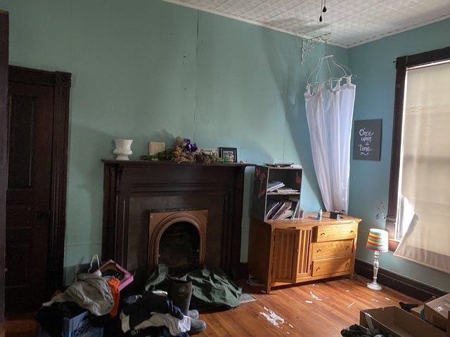 Bedroom featured at 218 E Cox Ave, Gainesboro, TN 38562