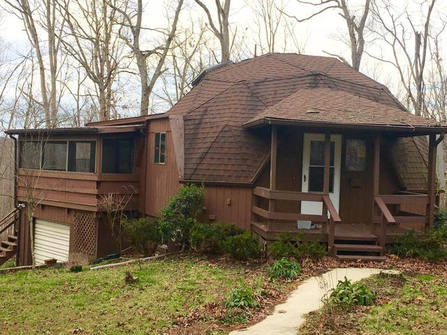 House view featured at 95 Peterson Ln, Sparta, TN 38583