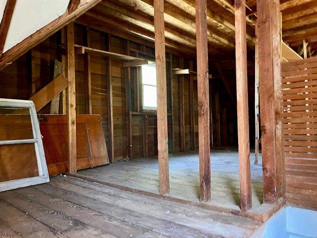 Porch featured at 115 N Oak St, Wanda, MN 56294
