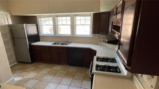Kitchen featured at 131 N Taylor Ave, Decatur, IL 62522