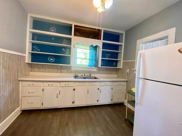 Kitchen featured at 243 W Noel Ave, Madisonville, KY 42431