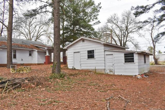 House view featured at 712 SE 1st St, Antlers, OK 74523