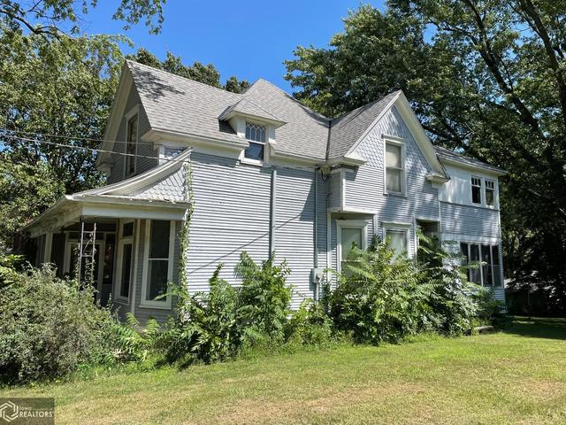 House view featured at 305 S Center St, Shenandoah, IA 51601