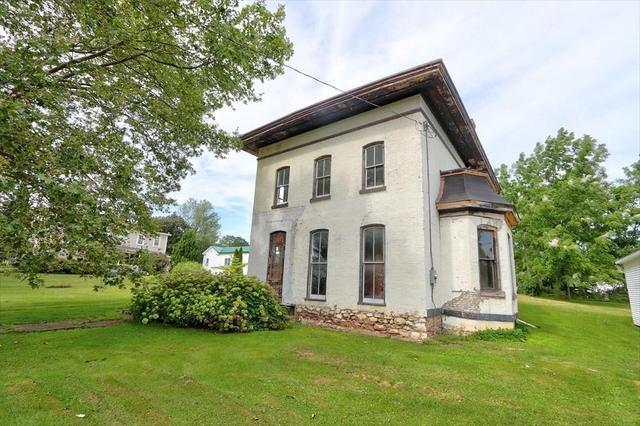 House view featured at 148 Glasgow St, Clyde, NY 14433
