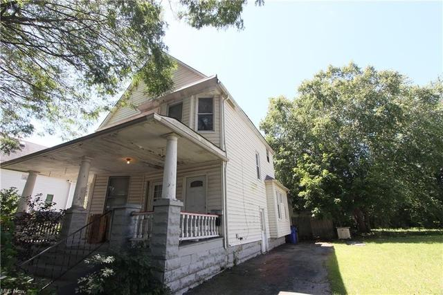 House view featured at 3126 W 82nd St, Cleveland, OH 44102