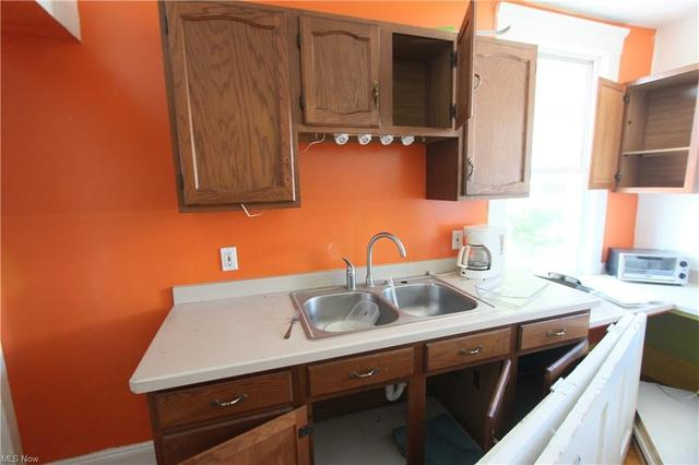 Kitchen featured at 3126 W 82nd St, Cleveland, OH 44102