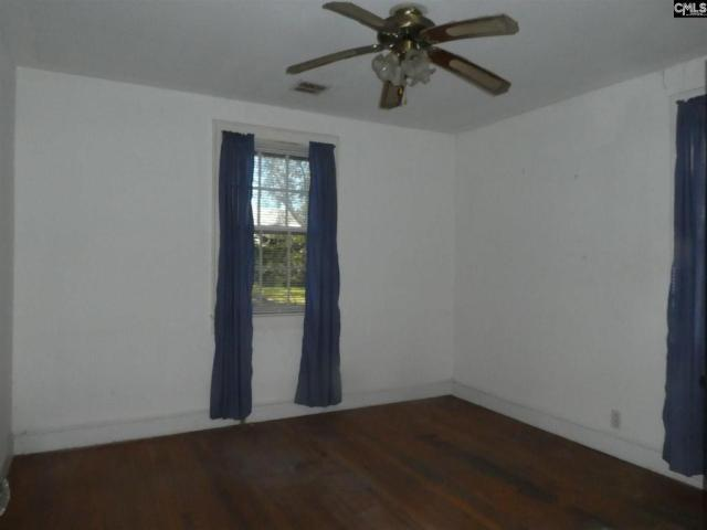 Bedroom featured at 106 W Columbia Ave, Batesburg, SC 29006