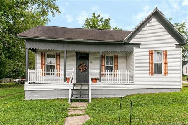 Porch featured at 350 S Cedar St, Marengo, IN 47140