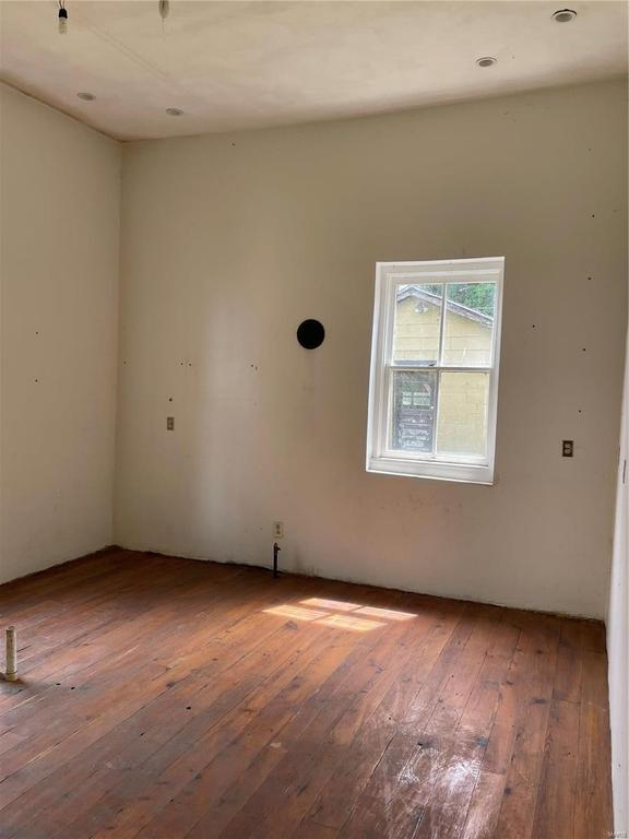 Bedroom featured at 218 S Charles St, Belleville, IL 62220