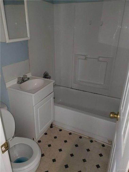 Bathroom featured at 303 Gray Ave, Waverly, VA 23890