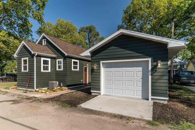Garage featured at 312 Clay St, Waterloo, IA 50703