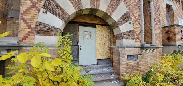 House view featured at 2749 Elmhurst St, Detroit, MI 48206