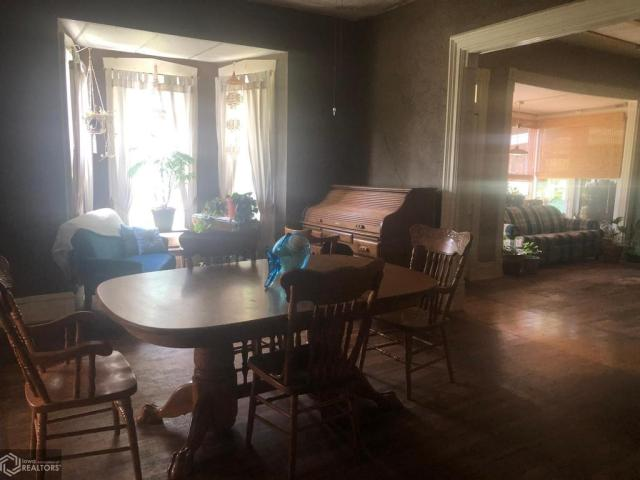 Dining room featured at 607 N Washington St, Bloomfield, IA 52537