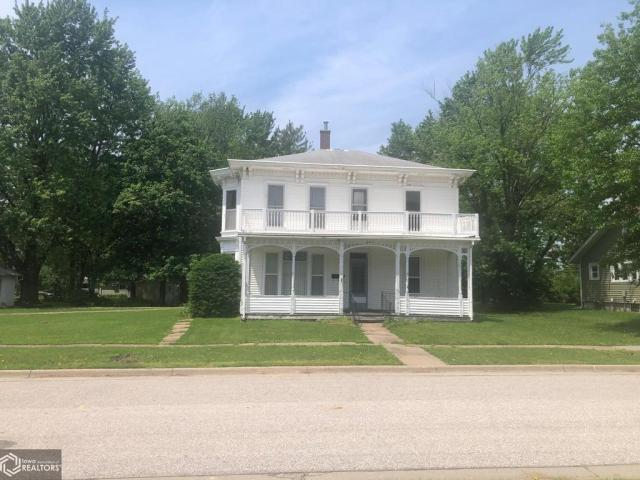 House view featured at 607 N Washington St, Bloomfield, IA 52537