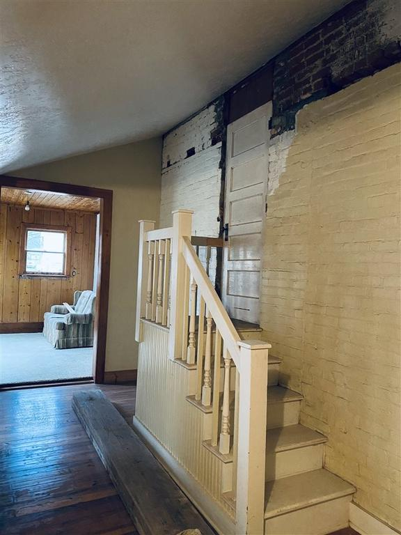 Laundry room featured at 712 S College St, Trenton, TN 38382