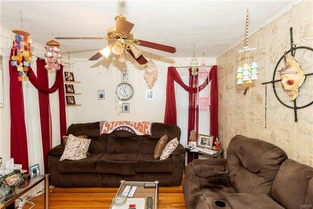 Living room featured at 205 Barrett St, Syracuse, NY 13204