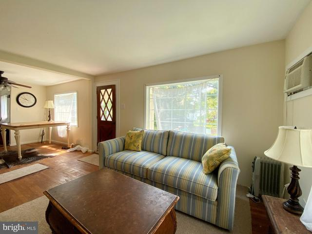 Living room featured at 4017 Tyler Rd, Ewell, MD 21824
