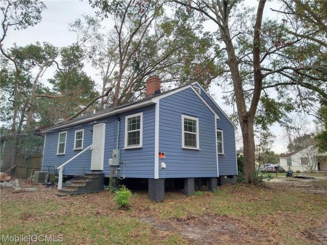 House view featured at 2056 S Bucker Rd, Mobile, AL 36605
