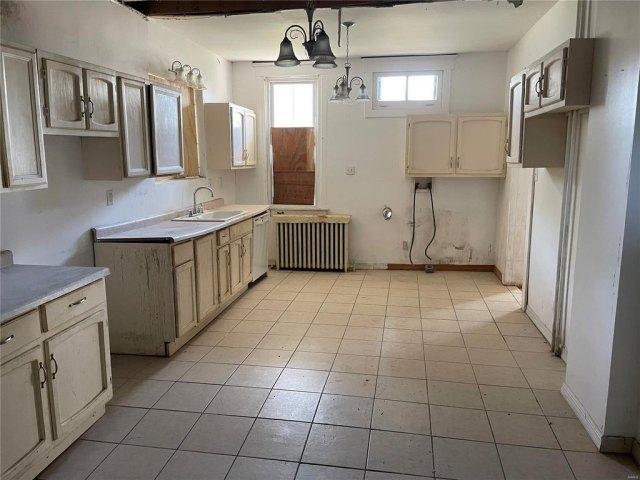 Kitchen featured at 314 N Charles St, Belleville, IL 62220